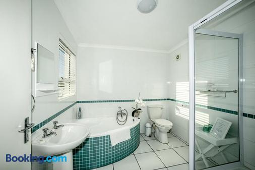 Rocklands Seaside Bed And Breakfast - Fish Hoek - Bathroom