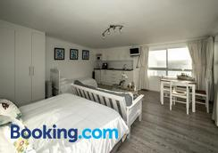 Rocklands Seaside Bed And Breakfast - Fish Hoek - Bedroom