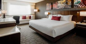 Delta Hotels by Marriott Beausejour - Moncton - Bedroom