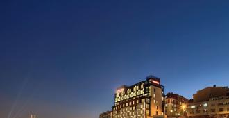 Movenpick Hotel Istanbul Golden Horn - Istanbul - Building