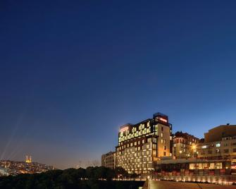 Movenpick Hotel Istanbul Golden Horn - Стамбул - Building