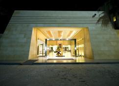 安曼機場酒店 - 阿爾吉薩 - 安曼 - 建築
