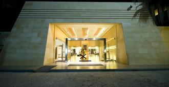 Amman Airport Hotel - עמאן