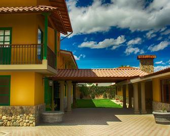 Hotel Tartar - Cajamarca - Edificio