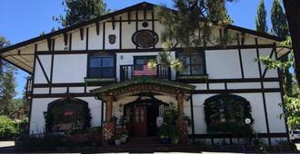 Black Forest Lodge And Cabins - Big Bear Lake - Bygning