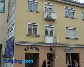 Penzion Vis a Vis - Trebitsch-Stadt - Gebäude