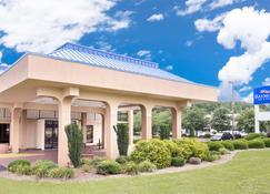 Baymont by Wyndham, Greenville - Greenville - Building