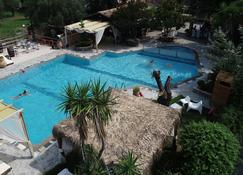 Spiti Nikos - Gouvia - Zwembad