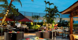 Hotel Ciputra Jakarta Managed By Swiss-Belhotel International - ג'קרטה - מסעדה