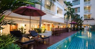 艾特伊斯薩拉達恩酒店 - 曼谷 - 游泳池