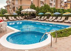 Family Hotel Venera - Sveti Vlas - Pool