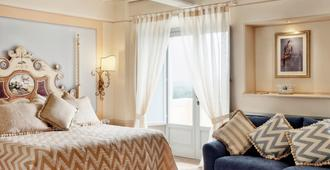 Relais Il Falconiere - Cortona - Bedroom