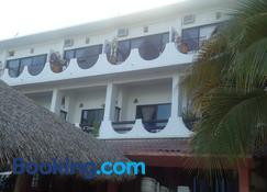 Hotel Cordelia's - Puerto Angel - Building