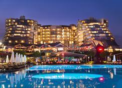 Limak Lara De Luxe Hotel - Antalya - Edificio
