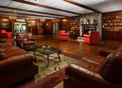 Lakeview Golf Resort, Trademark Collection by Wyndham - Cheat Lake - Lounge