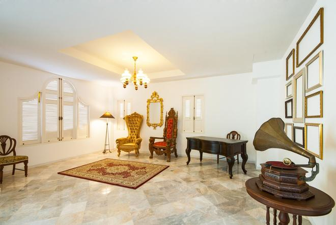 Dharasom Colonial House - Bangkok - Olohuone