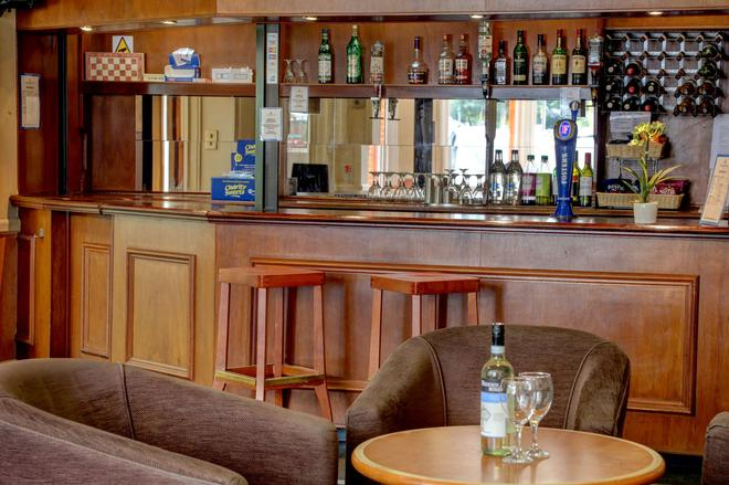 Sure Hotel by Best Western Reading - Reading - Bar