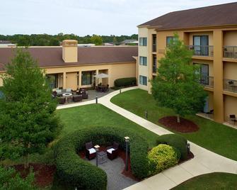Courtyard by Marriott Fayetteville - Fayetteville - Bina