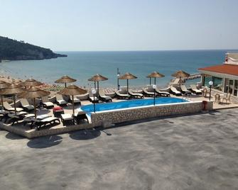 Hotel Incanto - Peschici - Bazén
