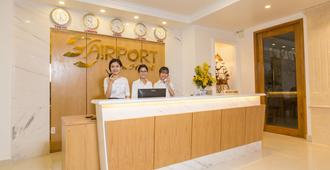 The Airport Hotel - Ho Chi Minh-byen - Receptionist