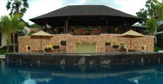 武吉瑟加拉別墅酒店 - 卡朗加沙 - 艾湄灣 - 游泳池