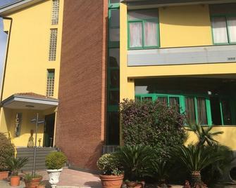 Hotel Stefano a Melito - Melito di Napoli - Building