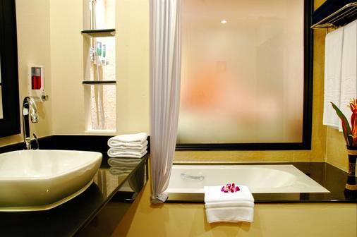 Horizon Karon Beach Resort & Spa - Karon - Phòng tắm