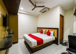 OYO 35561 Hotel Amar Inn - Anantapur - Sypialnia