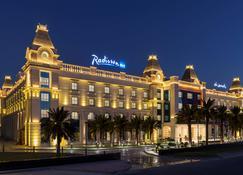 Radisson Blu Hotel, Ajman - Ajman - Building