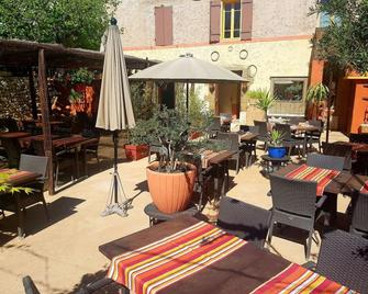 Amerigo Vespucci - B&B et restaurant - Beaumes-de-Venise - Innenhof