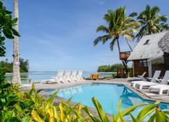 馬尼亞海灘別墅酒店 - 拉洛東加 - 拉羅東加島 - 游泳池