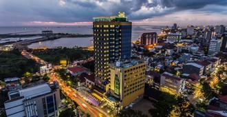 Arthama Hotels Losari Makassar - Makassar - Edificio