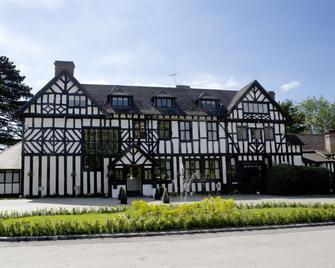 The Manor Elstree - Borehamwood - Building
