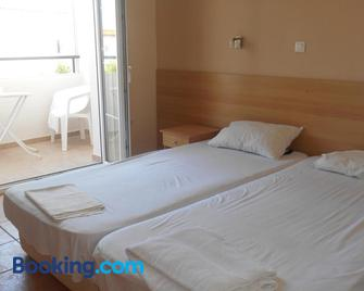 Quayside Village Hotel - Kavos - Bedroom