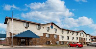 Econo Lodge Inn And Suites - Auburn
