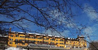 Grand Hotel Astoria - Lavarone - Edificio