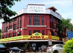 Uptown Hotel Kajang - Kajang - Building