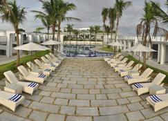 Grande Bay Resort and Spa Mamallapuram - Mahabalipuram - Βεράντα