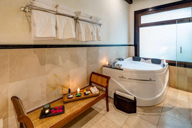Pensativo House Hotel - Antigua - Bathroom