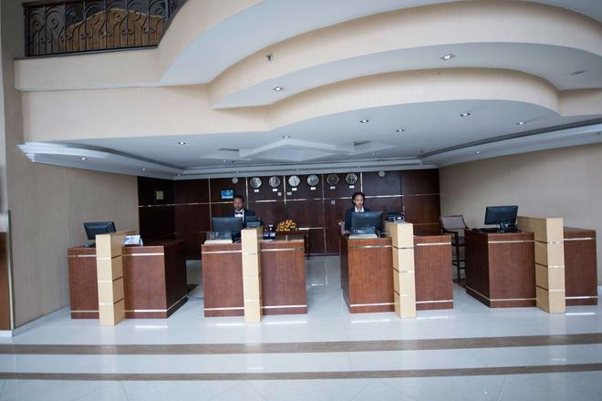 Capital Hotel & Spa - Addis Ababa - Front desk