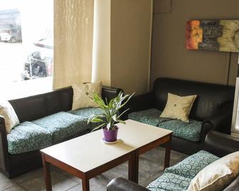 Alto Parana Hotel - Cordoba - Living room