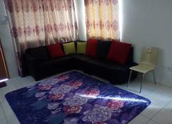 3A Homestay Semporna - Semporna - Meeting room