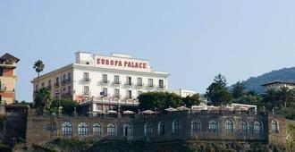 جراند هوتل يوروبا بالاس - سورنتو - غرفة معيشة