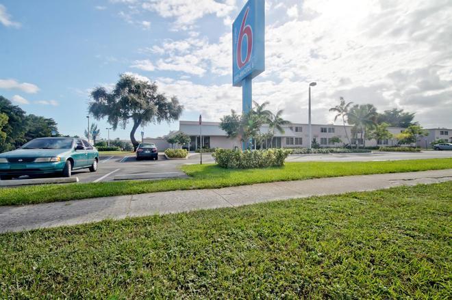 Motel 6 Miami - Fl - Miami - Edificio