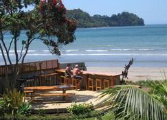 Beachfront Resort - Whitianga - Outdoor view