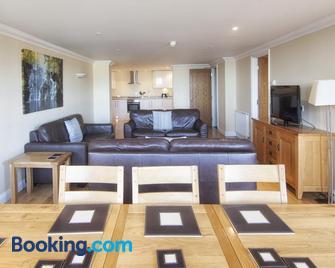 Shanklin Villa Apartments - Shanklin - Wohnzimmer