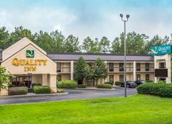 Quality Inn - Walterboro - Building