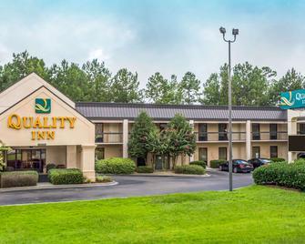 Quality Inn - Walterboro - Building
