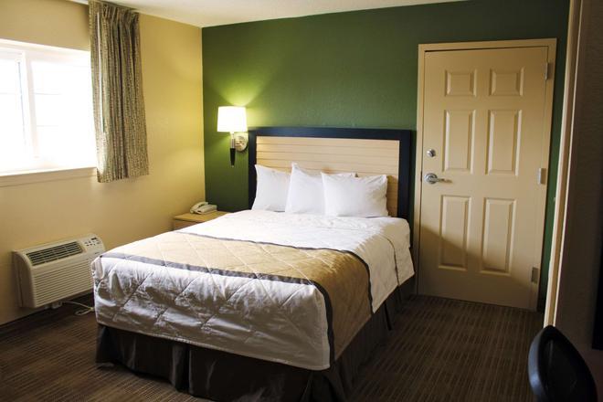 切薩皮克 - 丘奇蘭德大道美洲長住酒店 - 奇薩比克 - 切薩皮克 - 臥室