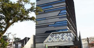 ibis Styles Medan Pattimura - Medan - Edificio